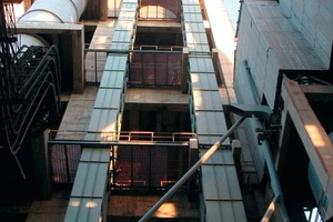 "<div class=""bildtext_en"">Beumer Group bucket elevators ensure high reliability, long running times for low operating costs and are among the highest in the world</div>"