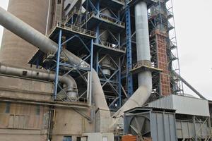 "<div class=""bildtext_en"">The Turňa nad Bodvou cement plant in Slovakia</div>"