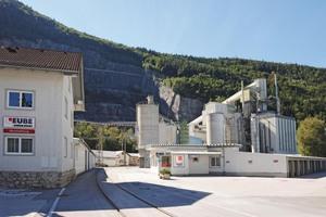 "<div class=""bildtext_en"">2 The Leube Kalkwerk limeworks in Golling/Austria</div>"