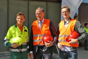 5 Dr. Joseph Kitzweger, Lafarge Cement Plant in Mannersdorf, with Dr. Thomas <br />und Alexander Loesche