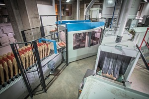 1 The Beumer bag placer with Bundle magazine increases the efficiency of the filling system