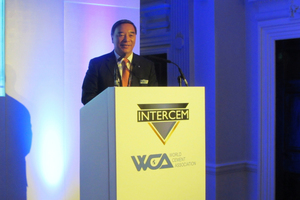 """<div class=""""bildtext_en"""">WCA President Zhi Ping Song</div>"""