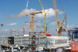 "<div class=""bildtext_en"">Part of the bauma outdoor exhibition area</div>"