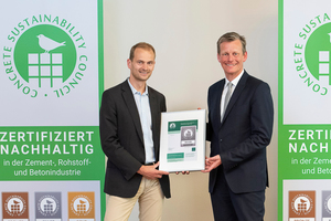 "<div class=""bildtext_en"">1 Dr Thomas Sievert, Head of Quality &amp; Technical Consulting at Dyckerhoff, received the CSC certificates from BTB General Manager Dr Thomas Aßbrock </div>"