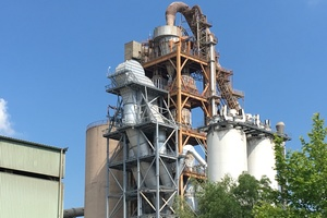 "<div class=""bildtext_en"">Duna Drava Cement plant in Vác/Hungary</div>"