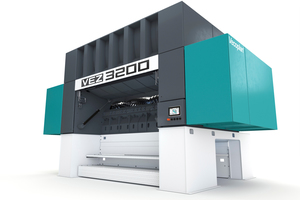 1 With the VEZ 3200, Vecoplan has developed a powerful single-shaft pre-shredder with high throughput capacity