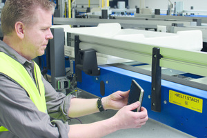 """<div class=""""bildtext_en"""">3 The Beumer Group increases efficiency and safety of their systems by using tablet computers</div>"""