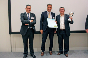 "<div class=""bildtext_en"">Former Eurosac President Luis Elorriaga with the newly elected president Rob Franken and winner of the Grand Prix Award 2018 Claudio Fedalto (Mondi Industrial Bags) (f.l.t.r.)</div>"