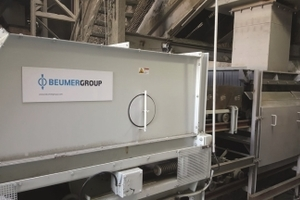 Beumer Group provides cement manufacturers with belt apron conveyors for the transport of hot clinker<br />