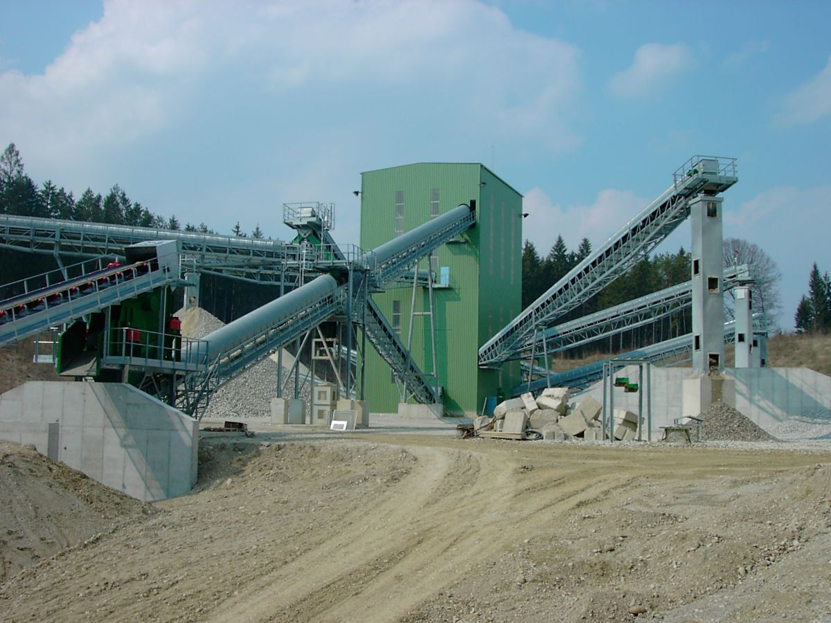 Industrial conveyor systems and turn-key plants - Cement