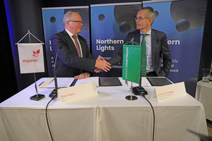 "<div class=""bildtext_en"">HeidelbergCement and Equinor signing a memorandum of understanding on CO<sub>2</sub> capture and storage</div>"