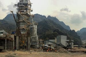 """<div class=""""bildtext_en"""">1 The MCS lime plant under construction</div>"""