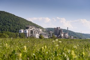 "<div class=""bildtext_en"">3 The CRH Hoghiz cement plant in Romania where a state-of-the-art process control system is in operation</div>"