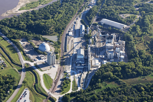 The Ash Grove Cement plant in Louisville, NE produces approximately 1.1 million t/a