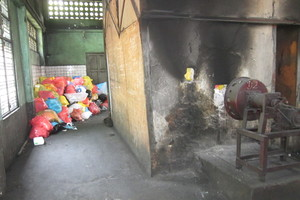 2 Burning of hospital wastes in a crematorium in Yangon/Myanmar