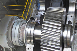 1 A look into the gearbox of a cement mill