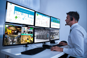 """<div class=""""bildtext_en"""">2 The Smartlink remote monitoring system provides users with a better overview of the individual maintenance requirement, the availability and the energy consumption of their compressed air systems</div>"""