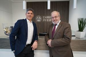 4 Uwe Karsunke (right) and Dietmar Freyhammer (left), Managing Directors of Christian Pfeiffer Maschinenfabrik GmbH headquartered in Beckum