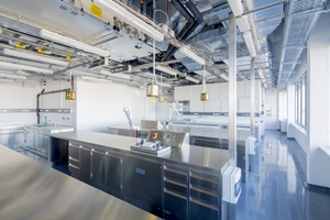 "<div class=""bildtext_en"">4 A view into VDZ's new laboratories</div>"