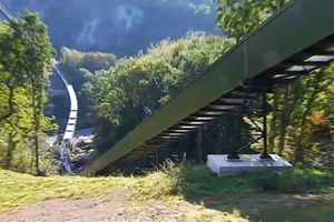 5 Direct routes can be realised, among other things up and down steep hills. The systems can overcome large inclines and gradients