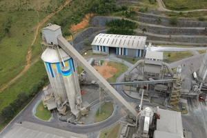 "<div class=""bildtext_en"">At the Xambioá plant of Votorantim Cimentos a pan conveyor will be replaced by an Aumund Bucket Apron Conveyor </div>"