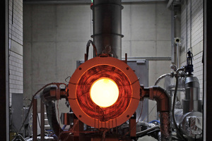 """<div class=""""bildtext_en"""">2 Synhelion's 250 KW solar receiver glows after testing because it reached over 1500°C</div>"""