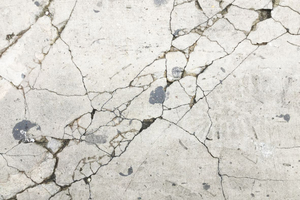 """<div class=""""bildtext_en"""">2 Among the best-known irreversible damage occurring in concrete structures – for example in the form of cracks in railroad ties or highways – is caused by the alkali-silica reaction (ASR)</div>"""
