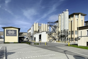 "<div class=""bildtext_en"">The RHI Magnesita plant in Urmitz/Germany</div>"