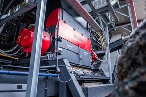 3 For re-shredding Vecoplan installed the VEZ 2500 TT, which is equipped with a high-performance cutting unit designed for maximum throughput. It has a very high level of technical availability