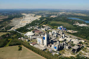 "<div class=""bildtext_en"">The Cemex cement plant near Rüdersdorf/Germany</div>"
