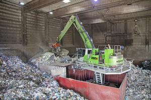 7 Loading the pre-shredder