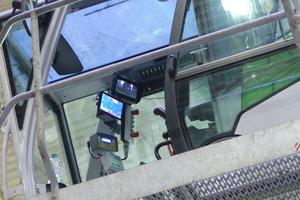 10 Maxcab industrial cabin with sliding door and bulletproof glass