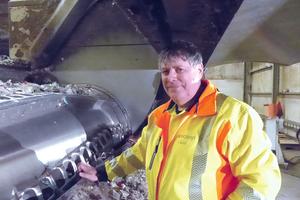 9 Plant manager Stefan Groß proudly explains how the new shredder works