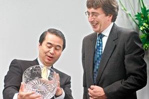 Hisashi Ietsugu, Präsident und Vorstandsvorsitzender von Sysmex Corporation, und Paul Walker, Geschäftsführer von Malvern Instruments