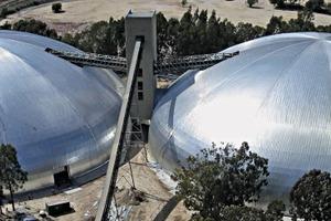 """<div class=""""bildtext_en"""">Twin 113m domes in Lichtenburg/South Africa</div>"""