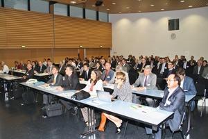 185 Teilnehmer informierten sich zum Thema Bauchemie<br />