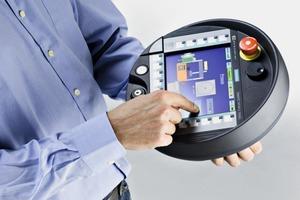 Mobile Panels lassen sich über industrielle Funknetze (IWLAN) in die Anlagenautomatisierung einbinden<br />