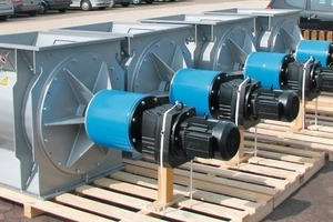 "<span class=""bildunterschrift_hervorgehoben"">1</span>Rotary vane feeders with CR coating, (ZS XXL 900x1000, overall height 1200, T<sub>product</sub> = 400°C)<br />"