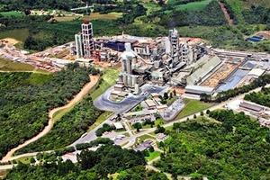 """<div class=""""bildtext_en"""">13 Balsa Nova cement plant </div>"""