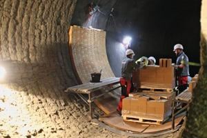 "<div class=""bildtext_en"">3 An ideal chance for us to catch a glance over the workers shoulder to see, how refractory lining is replaced during a kiln stoppage</div>"