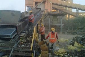 "<div class=""bildtext_en"">14<span class=""bildnummer"">+15</span> Shredding of waste at the cement plant</div>"