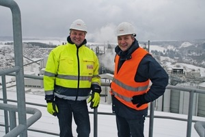 "<div class=""bildunterschrift_en""><span class=""bu_ziffer_blau"">8</span> Roland Müller, Ecoloop project developer and ­manager, and Bernd Röwert, head of communi­cations Fels-Werke GmbH</div>"