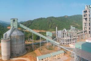 Quang Son Zementwerk von Vinaincon (Fives FCB)<br />