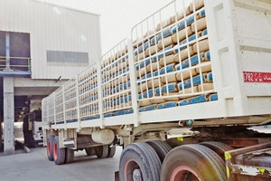"<div class=""bildtext_en"">2 The high performance truck bag loader ensures a perfect layer pattern</div>"