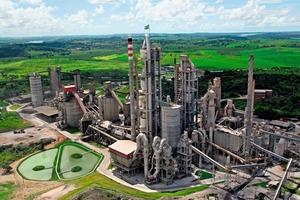 """<div class=""""bildtext_en"""">Cimesa cement plant </div>"""