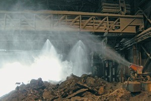 "<div class=""bildunterschrift_en""><span class=""fliesstext_blau"">1</span> The high-performance dust suppression prevents migration of dust generated by crushing and sizing</div>"