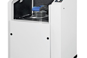 """<div class=""""bildtext_en"""">The redesigned RS200 for even more convenient operation and handling of the grinding sets</div>"""