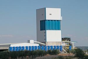 "<span class=""bildunterschrift_hervorgehoben"">1</span>Fully automated mixing tower plant/Spain<br />"