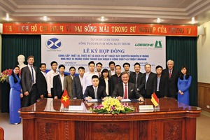 "<div class=""bildtext_en"">Xuan Thanh Cement JSC, Ha Nam, at the signing ceremony with Loesche for the cement grinding plant Xuan Thanh 2 – Ha Nam</div>"