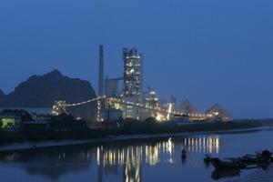 """<span class=""""bildunterschrift_hervorgehoben"""">4</span>Vicem's Hai Phong cement plant (FLSmidth)<br />"""